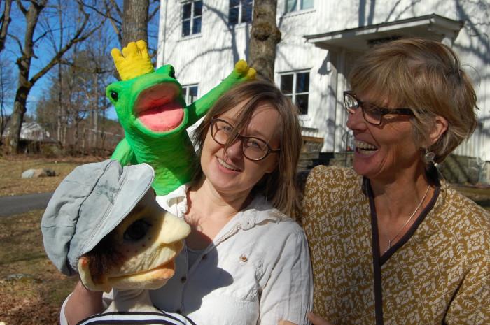 dukkemakerne Kari Noreger og Anna Granerb.