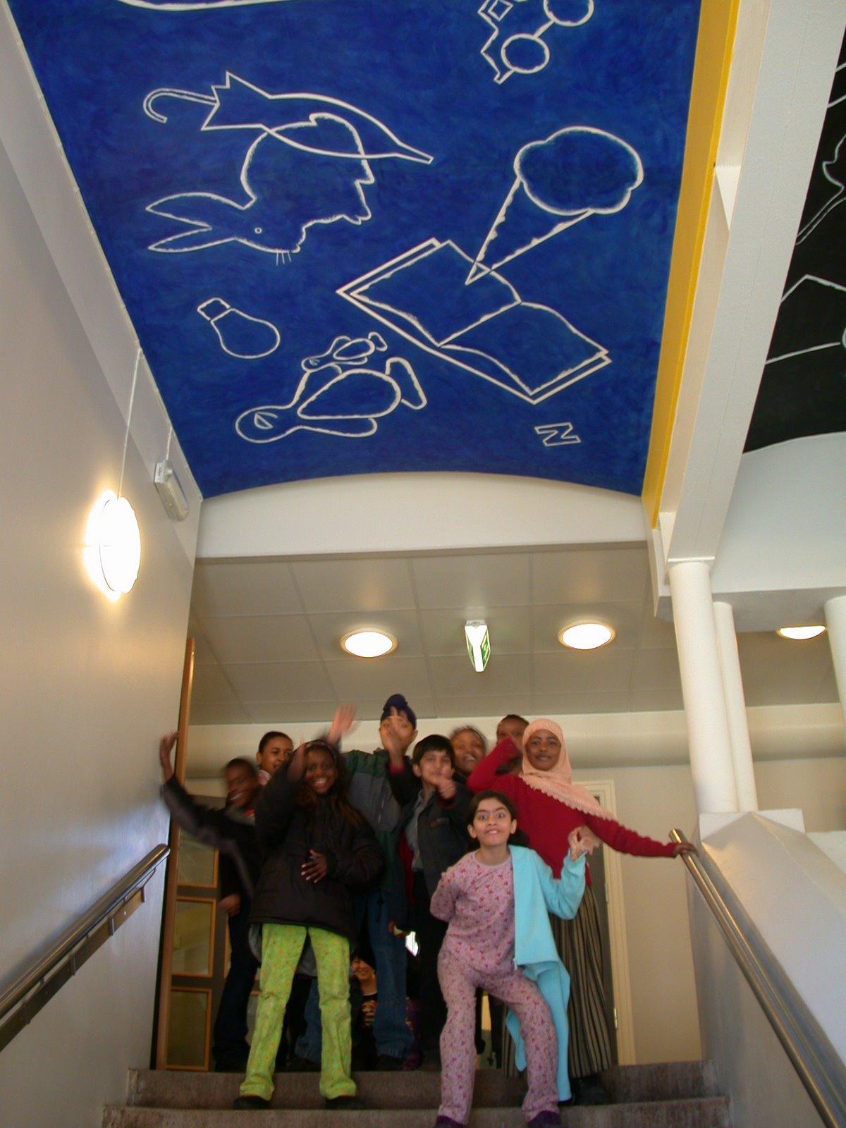 Tre hvelvtak dekorert på Tøyen skole.